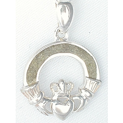 Claddagh Loop Pendant