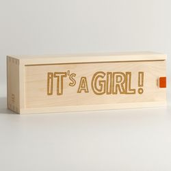It's a Girl Personalized Wine Box