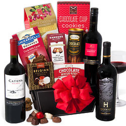 Il Roccolo Red Wine & Dark Chocolate Gift Basket