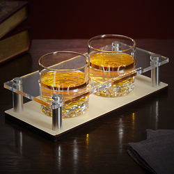 Quinton Monogram Presentation Gift Set with Whiskey Glasses