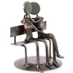 Park Bench Sweethearts Iron Statuette