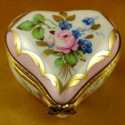 Small Pink Floral Heart Limoges Box