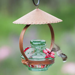 Pot de Creme Shelter Hummingbird Feeder in Green