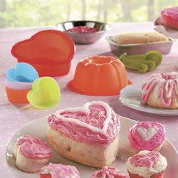 Young Bakers' Heart-Shaped Cooking Set