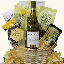 Woodbridge Chardonnay White Wine Gift Basket
