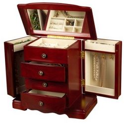 Harmony Jewelry Box in Cherry