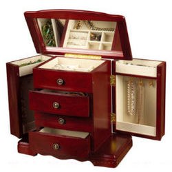 Beautiful Dreamer Deluxe Musical Jewelry Box
