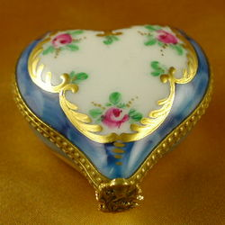 Mini Rose Heart Limoges Box