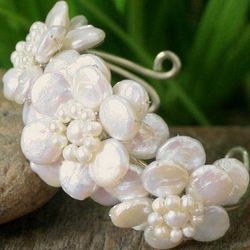 Winter Garland Pearl Flower Bracelet