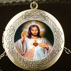 Engraveable Sacred Heart of Jesus Brass Locket