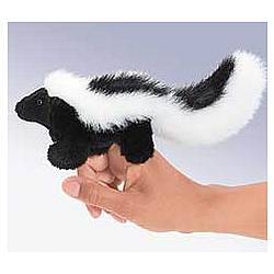 Sneaky Skunk Finger Puppet