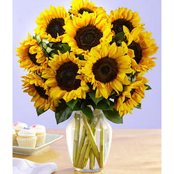 Deluxe Sunflower Radiance Bouquet
