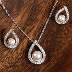CZ Teardrop and Pearl Bridal Set