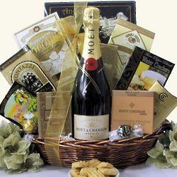 Moet & Chandon Champagne Gift Basket