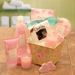 She's So Lovely Spa Gift Set