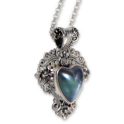 Blue Heart in Bloom Pearl Pendant