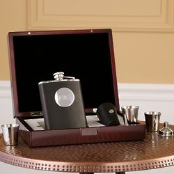 Engravable Flask Gift Set in Valet Box