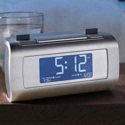 Self-Setting Alarm Clock Radio