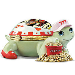 Queen of Hearts Casino Lovers Turtle Music Box