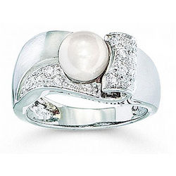 14K White Gold Freshwater Pearl Diamond Ring