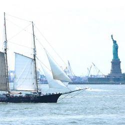 Manhattan Clipper Ship Sailing Cruise for 1
