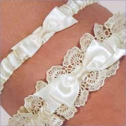Eleanor Lace Wedding Garter with Tossing Garter