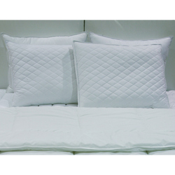 Diamond Support King Feather Pillow Set