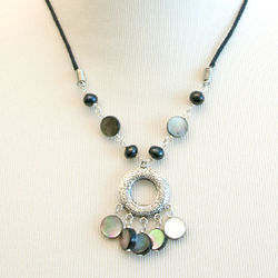 Black Lip Shell And Pearl Chandelier Pendant Necklace