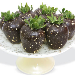 A Touch of Gold Chocolate Covered Strawberries