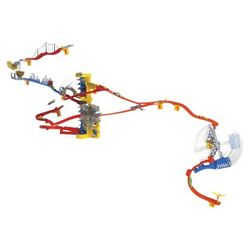 Wall Tracks Racing Set