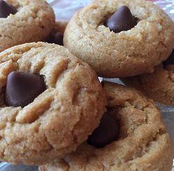 3 Dozen Peanut Butter Kiss Cookies Gift Box