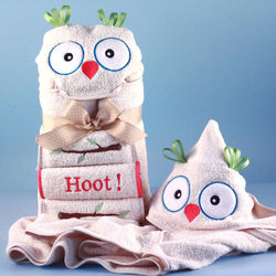 It's a Hoot Personalized Hooded Baby Towel with Pink Trim