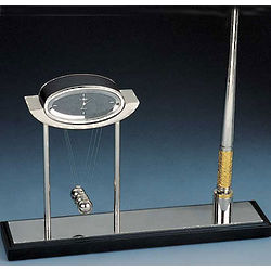 Newton's Cradle Pen Stand