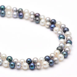 Black and White Cultured Pearl 30 Inch Necklace