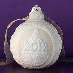 Lladro 2012 Annual Ball Ornament