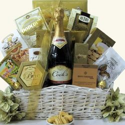 Simply Chic Cook's California Champagne Gift Basket