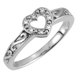 Paisley 7-Diamond Heart Ring in White Gold