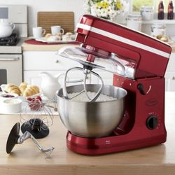 Batch Boss Stand Mixer with Orbital Mixing Pattern