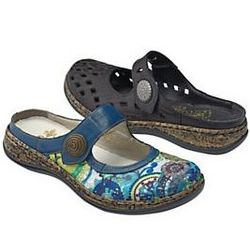 Women's Woven Look Clogs