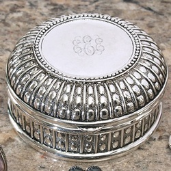 Engravable Antique Beaded Round Trinket Box
