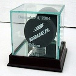Engraved Single Hockey Puck Display Case