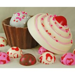 Cupcake Shaped Chocolate Gift Box with Candy