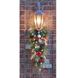 Cordless Pre-Lit Festive Twist Holiday Sconce