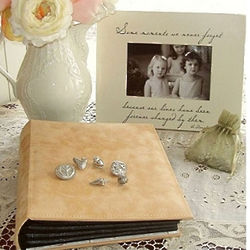 Treasured Moments Gift Set