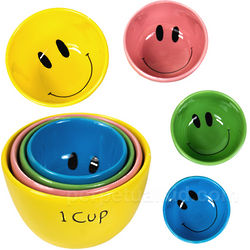 Smiley Face Measuring Cups