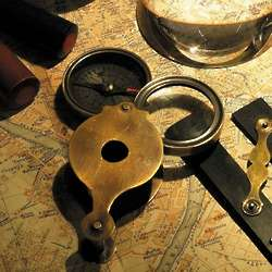 Discovery Glass Pocket Compass and Magnifier