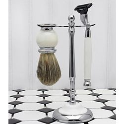 Timeless White Shaving Set