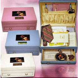 Exquisite Memory Box