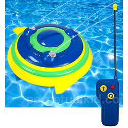 Radio Controlled Spinner Squirter Pool Toy