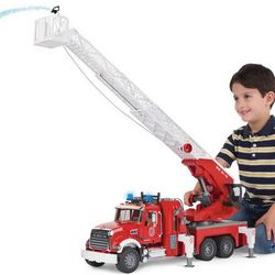 Water Spraying 4 Foot Ladder Fire Engine